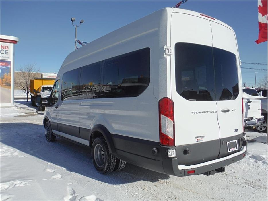 2016 Ford Transit Wagon XLT Outside South Saskatchewan, Regina - MOBILE