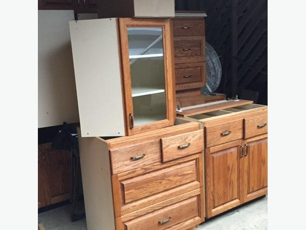 Full set of used Oak kitchen cabinets