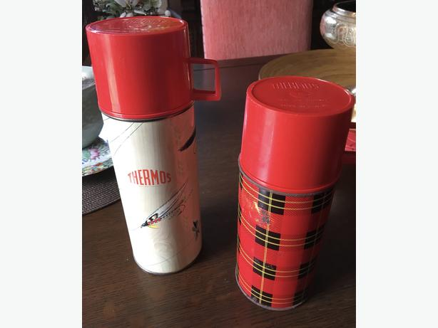 2 VINTAGE THERMOS'S & RED ENAMELLED TIN CUP