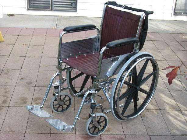 EVEREST & JENNINGS DELUXE BURGUNDY TRAVELER WHEELCHAIR