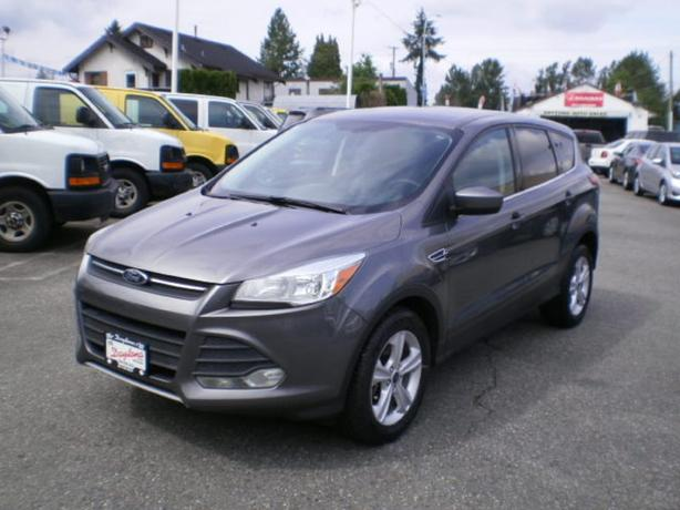 2014 Ford Escape AWD, new tires,