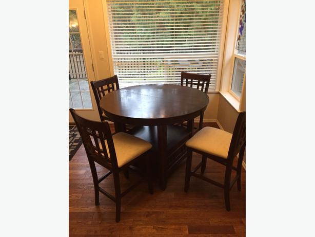 BAR HEIGHT DINING TABLE W/6 CHAIRS