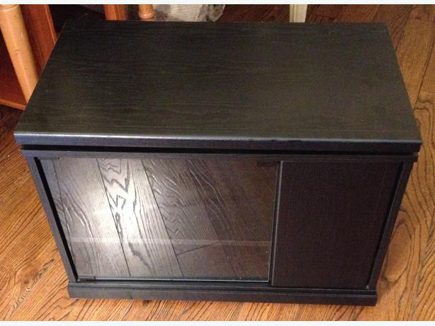 Swiveling Top TV Stand
