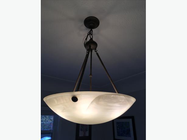 Pendant style chandelier light fixture