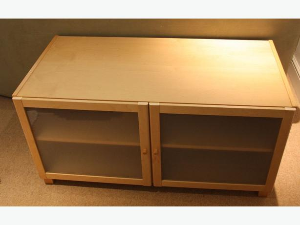ikea benno birch tv stand like new