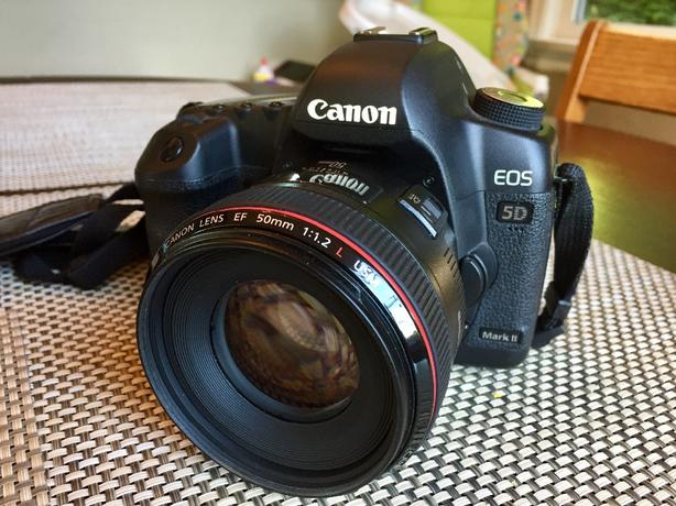 A+ condition Canon EOS 5D mark II & mint Canon 50mm F1.2 L