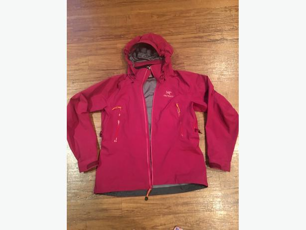 Womens Large Arc'teryx Beta AR