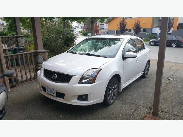 2011 Nissan Sentra SE-R with REMOTE CAR STARTER and full set winter tires/wheels