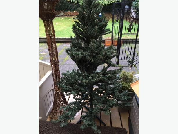 6 ft. Christmas Tree