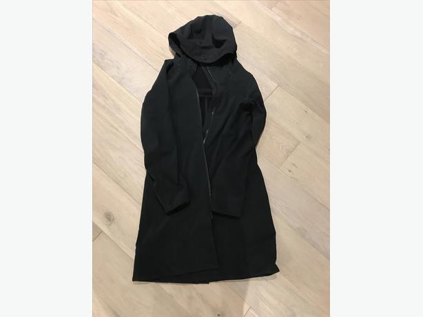 lulu lemon rain coat and running coat