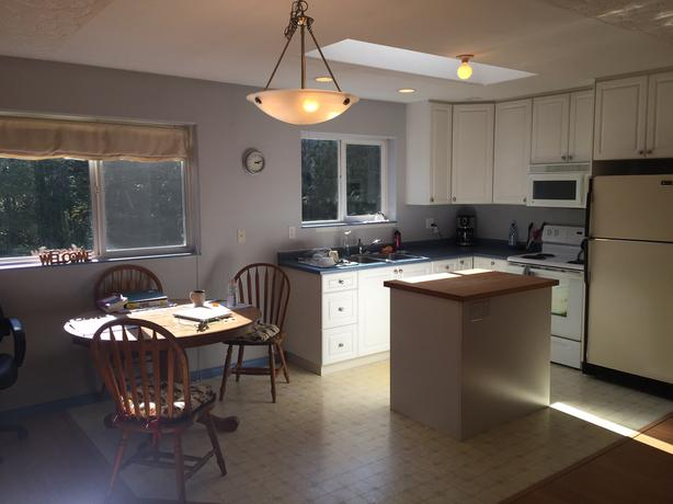 Bright 1 bdrm semi-furnished suite in rural Metchosin
