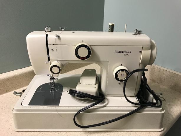 Beaumark Sewing Machine