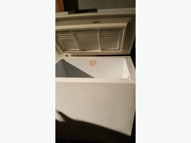 SMALL CHEST FREEZER