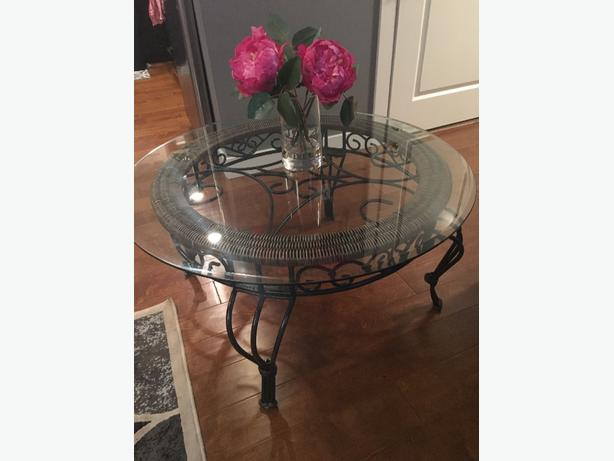 *REDUCED*Coffee table and 2 end tables