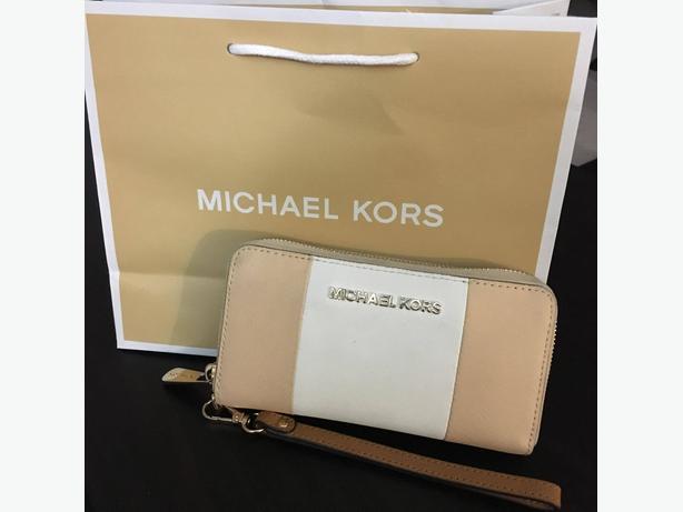 Michael Kors Women's Jet Set Travel Large Phone Case Scarlet