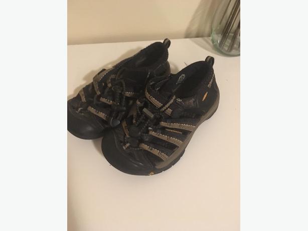 Keen sandals 12 kids