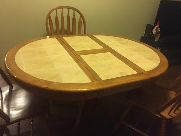 "42"" Solid Wood Dining Table with 4 chairs"