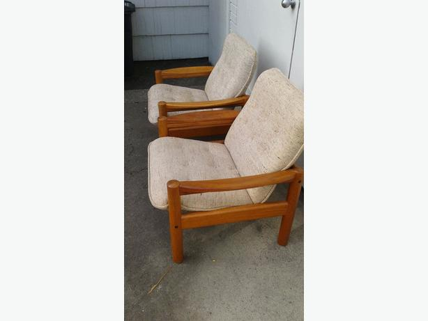 Teak Chairs/Table and Stand
