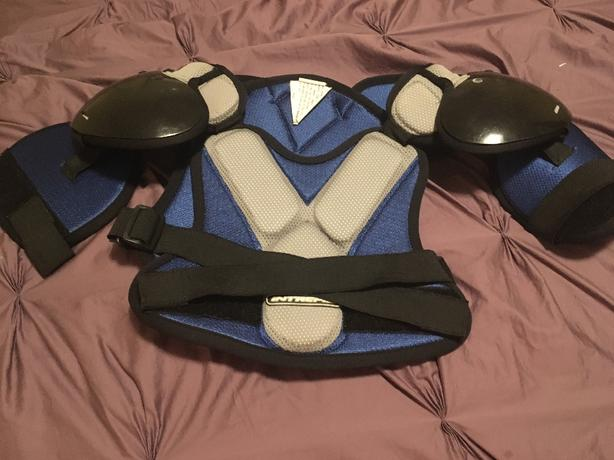 Hockey or lacrosse chest protector