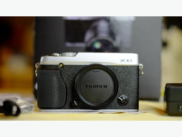 Fuji X-E1 Body - Fully functional - Original Box