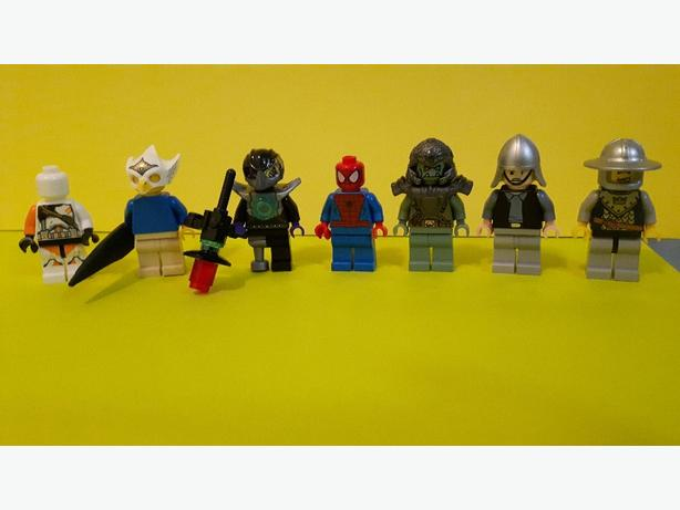 Lego Minifigures x 7