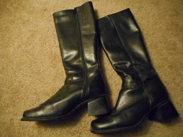 Black Leather Boots: Size 9 Women's