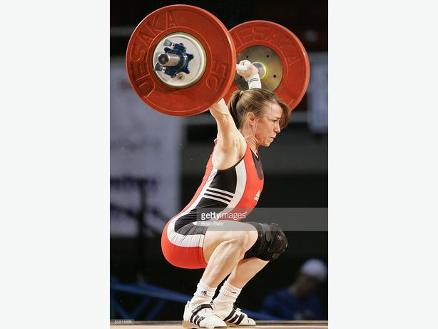 WANTED: ladies (15kg) oly bar and bumpers