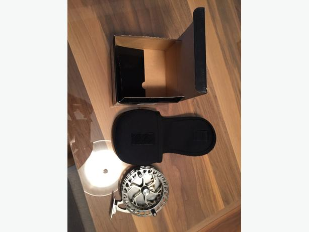 centre pin rod and reel, brand new REDUCED