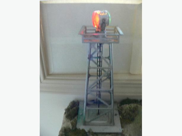 Lionel 494 Lighted Revolving Beacon w/OB