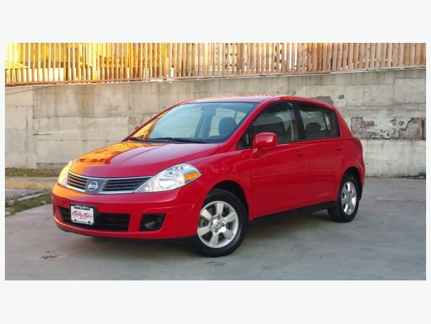** 2009 Nissan Versa - (( ONLY 67K )) - Local Car - No Accidents
