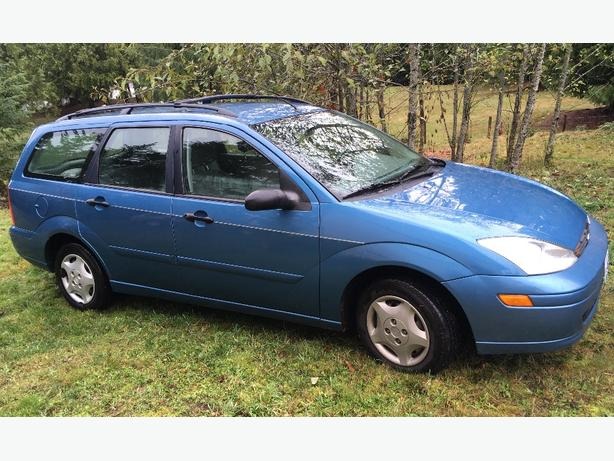 2000 Ford Focus Runs great and gets excellent mileage