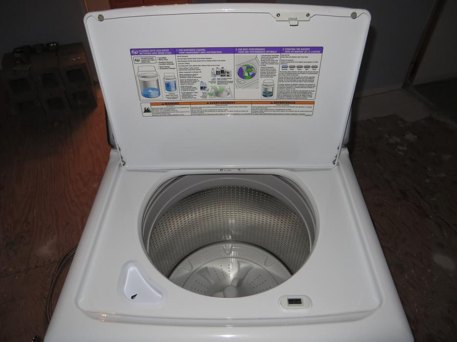 Maytag Top Loading High Efficiency Low Water Washing