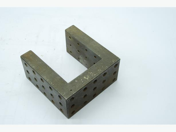 ground tool makers set up block/angle plate