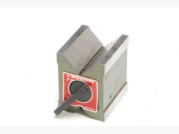 Mitutoyo magnetic V block