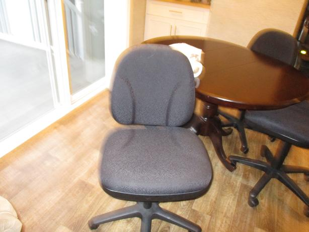 2 Computer Chairs.