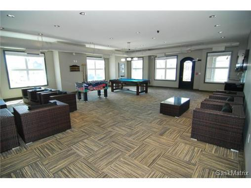 Beautiful condo for rent east end december 10th for 10 york terrace east london