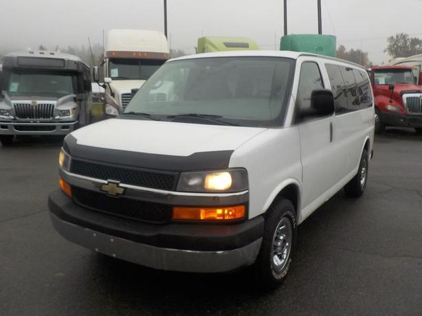 2011 Chevrolet Express 3500 11 Passenger Van