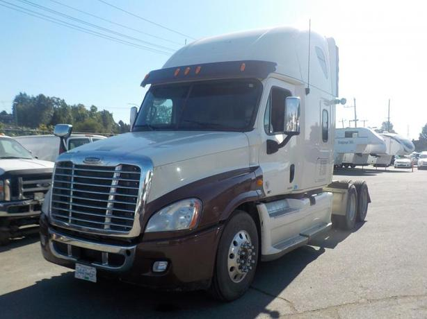 2012 Freightliner Cascadia 125 Highway Tractor Trailer with Sleeper Cab