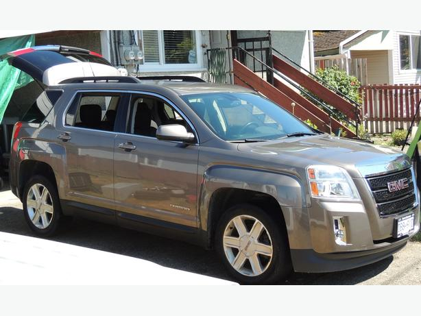 Must sell 2010 gmc Terrain SLE-2 price firm