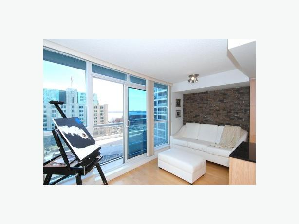 Condo Goals! Fully Furnished 1 Bedroom Harbourfront Gem
