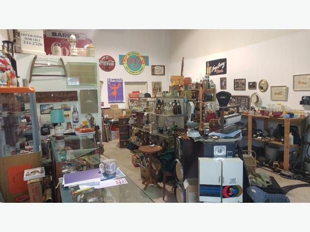 Arrowsmith Antiques and collectibles
