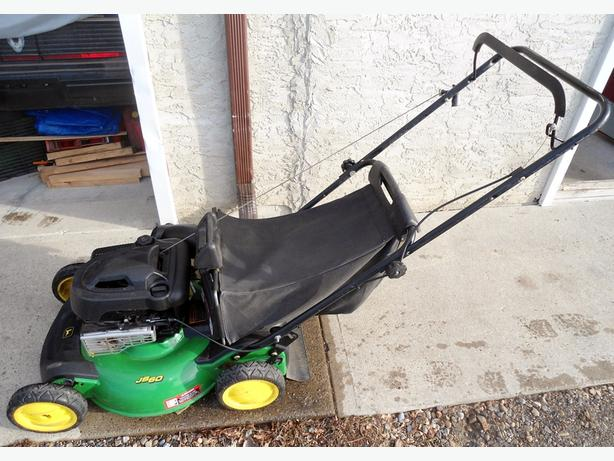 JOHN DEERE SJ60 LAWNMOWER