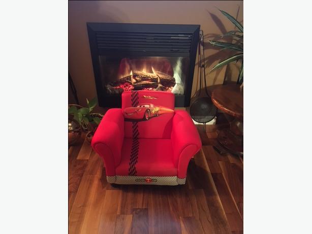 Lightning McQueen Upholstered Toddler Chair