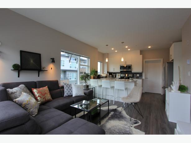 2 bd stunning condo in Victoria - The Shire - 2BD/2BA - Available Now!