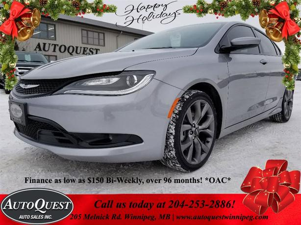 2015 Chrysler 200S HEATED LEATHER, NAV, PANORAMIC SUNROOF!