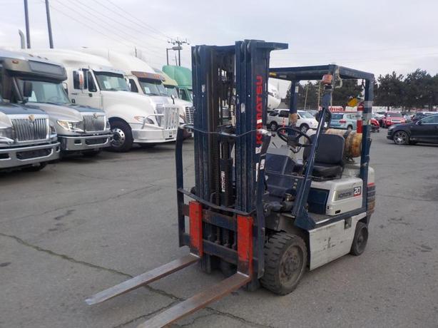 2000 Komatsu FG20ST-11 Three Stage Propane Forklift