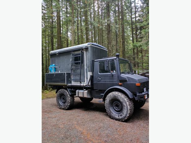 Unimog with Camper