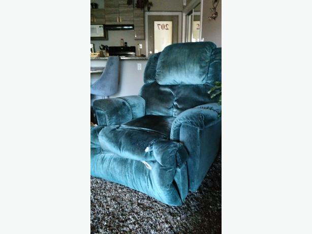 Dark Green Palliser Fabric Recliner
