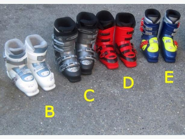 Ski Boots ~ Youth Larger Size (22.5 to 24 mondo)