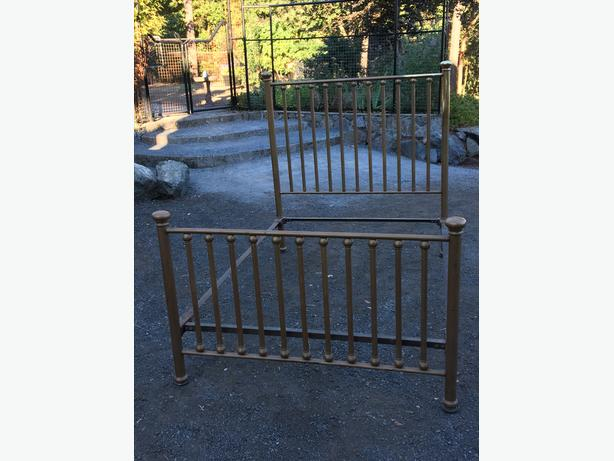 Brass double bed frame
